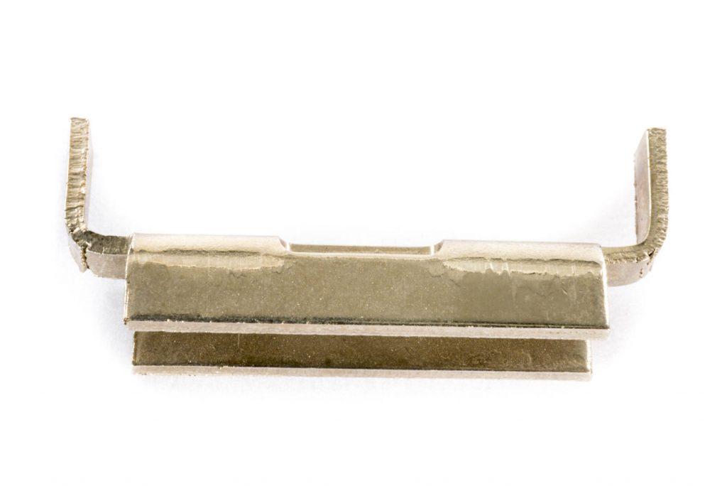 clips élastique automobile
